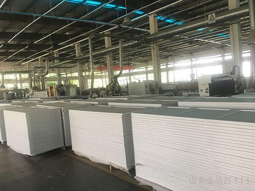 出口COSTCO生产过程中的谷仓门